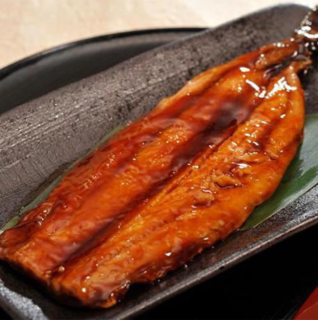 蒲燒秋刀魚 (約120g)